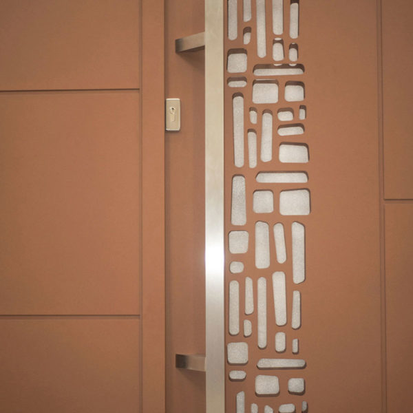 Portail aluminium plein lug 02